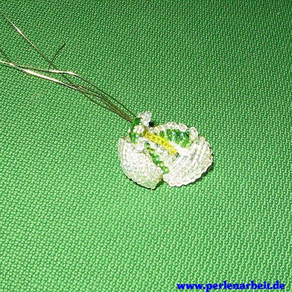perlenarbeit schneegl ckchen aus perlen basteln mit anleitung. Black Bedroom Furniture Sets. Home Design Ideas